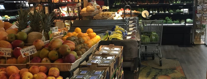 Awesome Organic Market is one of FOOD-SHOP.