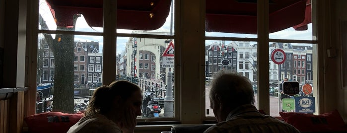 Café De Magere Brug is one of Amsterdam koffie/lunch.