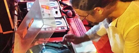 Melodia De Bodega com DJ Pós is one of  Recomendo.