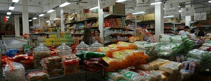 Hong Kong Supermarket is one of Chinatown - Honolulu.
