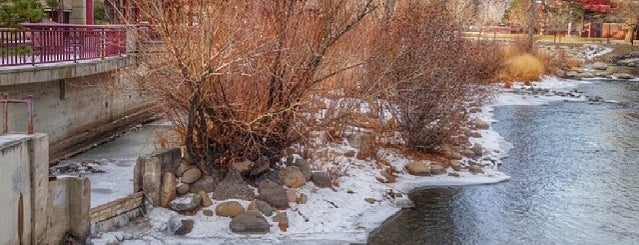 Truckee River is one of Reno.