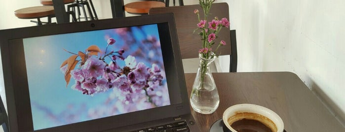 Dose! is one of Cafes To Visit!.
