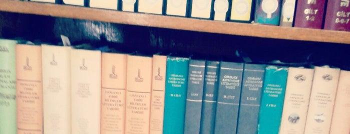 Süleymaniye Yazma Eserler Kütüphanesi is one of İstanbul'dayım takılıyorum....
