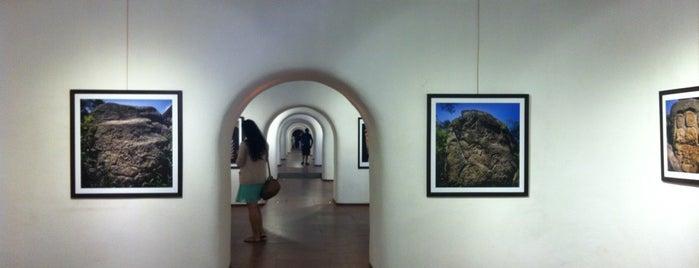 Taksim Cumhuriyet Sanat Galerisi is one of Art Galeries & Exhbitions in Istanbul.