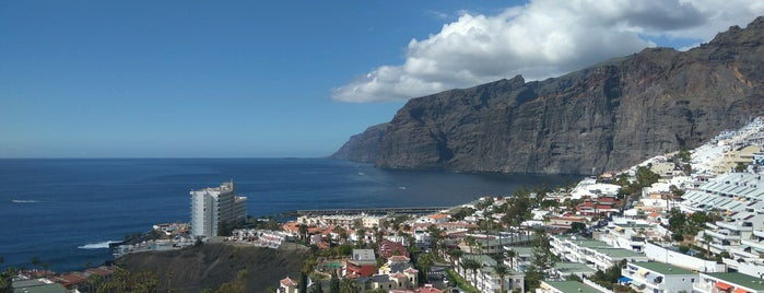 Acantilados de los Gigantes is one of Turismo por Tenerife.