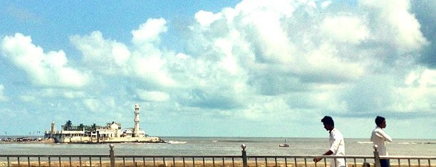 Haji Ali Sea Face is one of 4sq Cities! (Asia & Others).