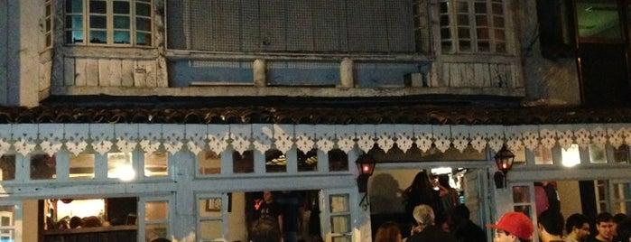 Empório 37 is one of Melhores do Rio-Restaurantes, barzinhos e botecos!.
