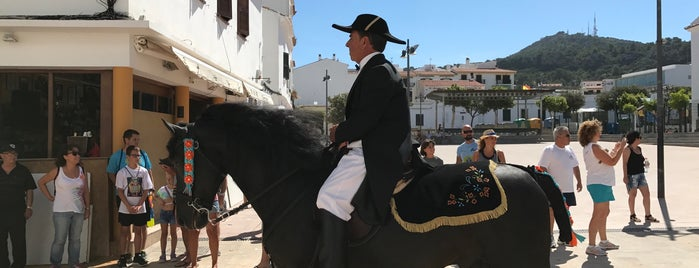 Es Mercadal is one of MENORCA AGOSTO 12.