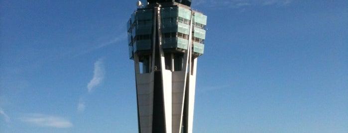 Aeropuerto de Santiago de Compostela (SCQ) is one of Aeropuertos.