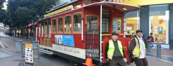 Powell Street Cable Car Turnaround is one of Top Things In San Francisco For Visitors.