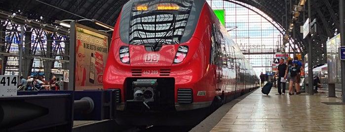 Frankfurt (Main) Hauptbahnhof is one of Bahnhöfe Deutschland.