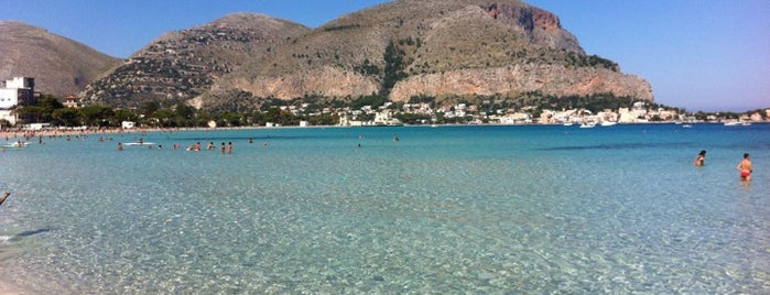 Spiaggia di Mondello is one of South Italy.