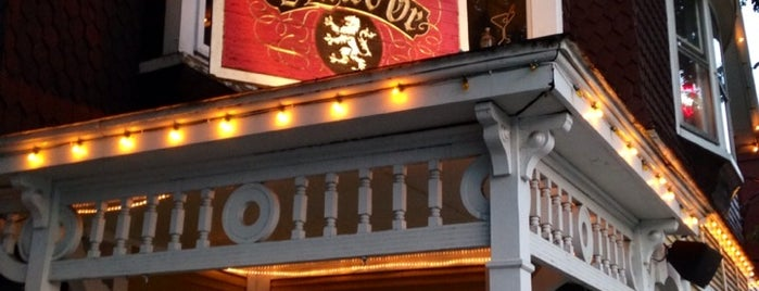 Golden Lion Pub is one of Microbrasseries Québec.