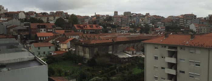 Mundano is one of Porto dies das.