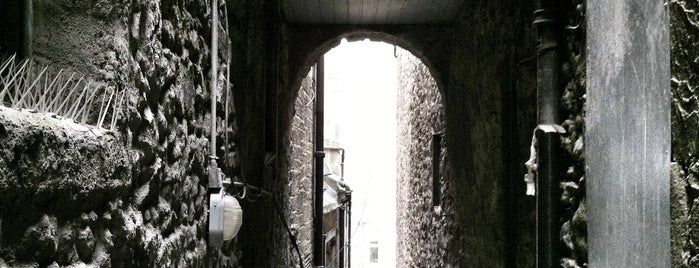 The Real Mary King's Close is one of Uk places.