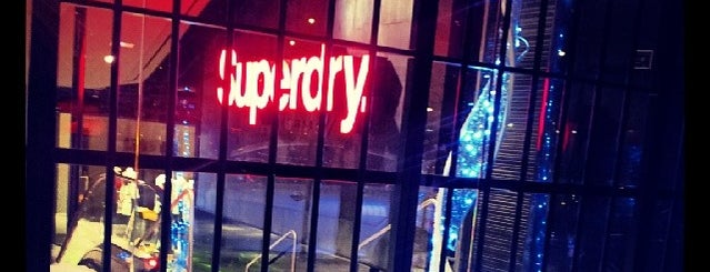 SuperDry is one of Para volver.