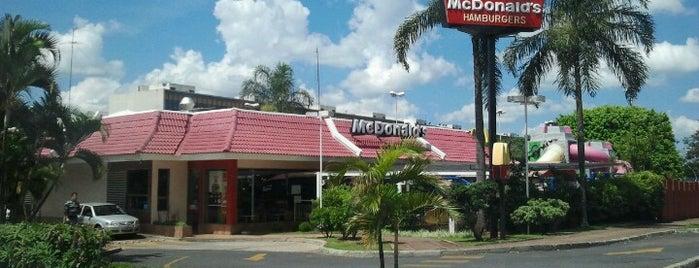 McDonald's is one of Hambuguerias.