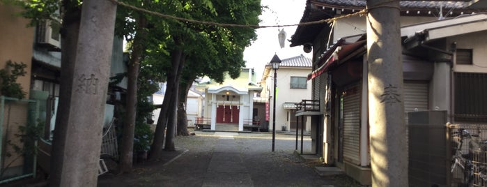 天満天神社 is one of Temples & Shrines Near Shin-Kawasaki.
