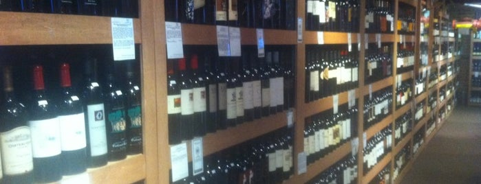 Wine Bank is one of Favorite Haunts Insane Diego.