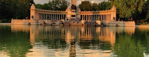Parque del Retiro is one of Madrid.