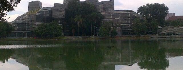 Perpustakaan Universitas Indonesia - Crystal of Knowledge is one of Bookworm Bender Badge.