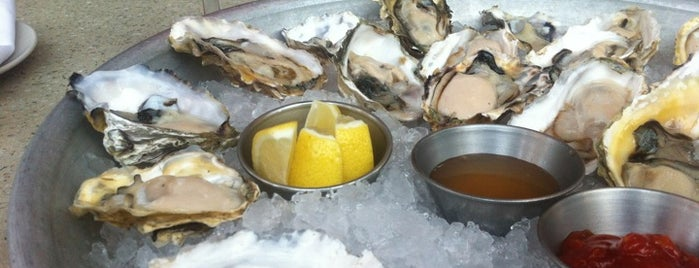 B Restaurant & Bar is one of $1 Oyster Happy Hour in SF.