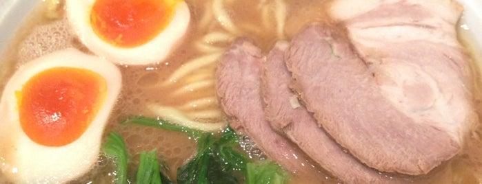 横浜家系ラーメン 八七三家 新橋店 is one of ラーメン(東京都内周辺).