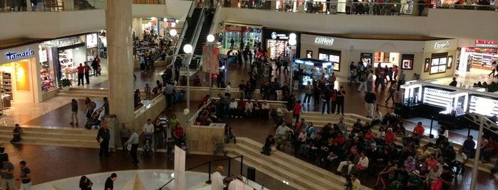 Galerías Monterrey is one of Centros Comerciales de Monterrey.