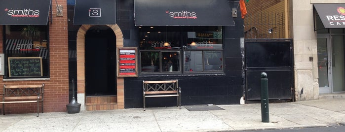 Smiths Restaurant & Bar is one of Philadelphia Restaurants/Bars.