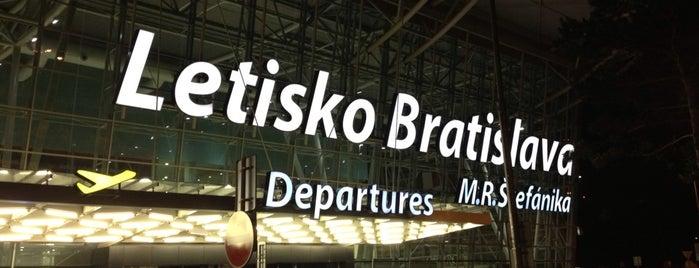 M. R. Štefánik Airport Bratislava (BTS) is one of Free WiFi.