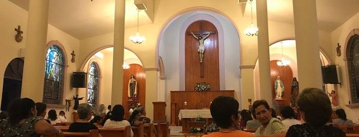 parroquia de santa teresita is one of Templos católicos.