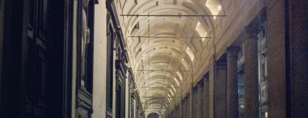 Uffizi Gallery is one of Weekend romantique à Firenze <3.