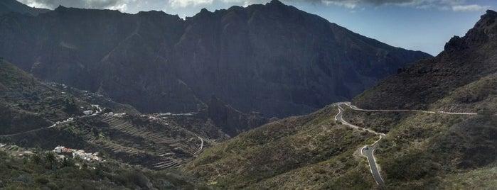 Mirador Cruz de Hilda is one of Turismo por Tenerife.