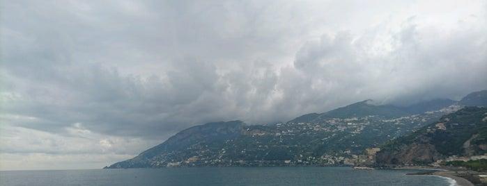 Maiori is one of Napoli.
