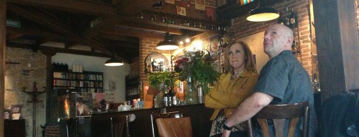 Cafe La Mandragora is one of Guía de Salamanca.
