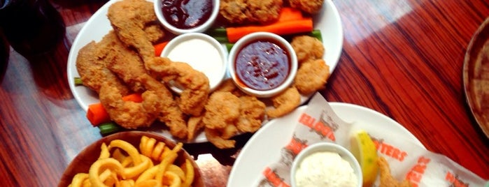 Hooters is one of prizzague.