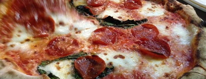 800 Degrees Neapolitan Pizzeria is one of 100 Cheap Date Ideas in LA.