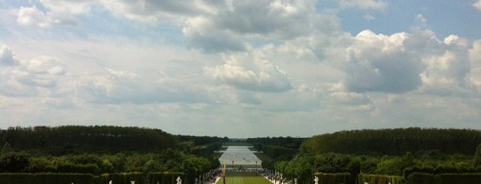 Schloss Versailles is one of Paris, FR.