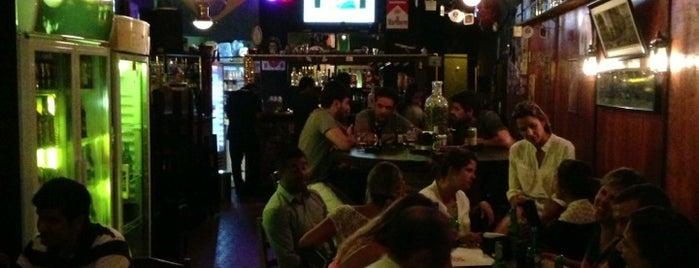 Alpendre Burger & Beer is one of Preciso visitar - Loja/Bar - Cervejas de Verdade.