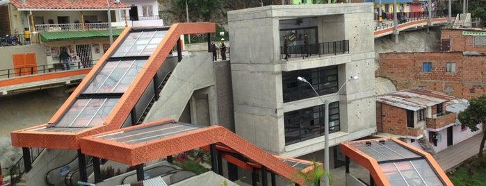 Escaleras Eléctricas Barrio las Independencias is one of Colombia.