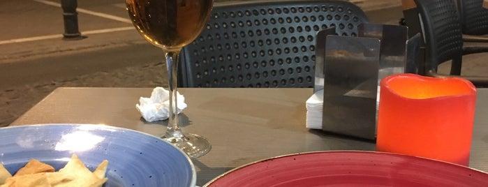 Sancho Café Bar is one of Granada para picar, pintxos, tapeos & más.