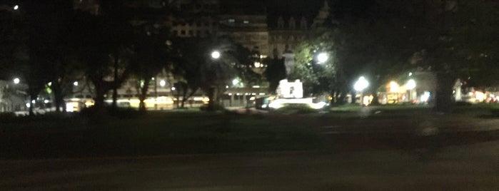 Plaza Pres. Juan Domingo Perón is one of En la Ciudad.
