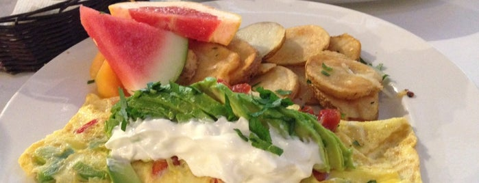 Eggspectation Bell Trinity Square is one of The 15 Best Places for Brunch Food in Toronto.