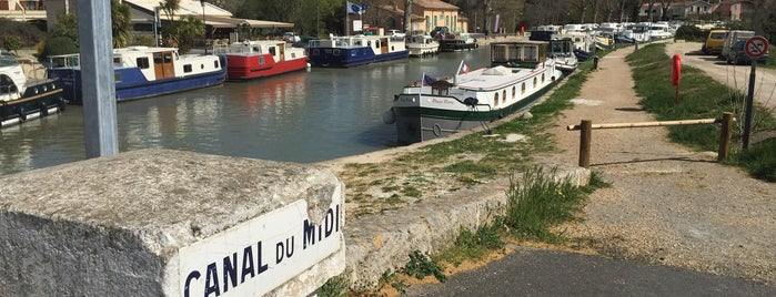 Port de Capestang is one of Canal du Midi.