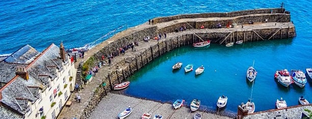 Clovelly Harbour is one of England 1991.