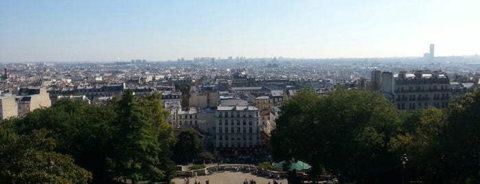 Montmartre is one of Paris avec Reix.
