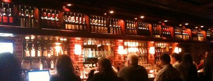Houston S Restaurant Is One Of The 15 Best American Restaurants In Memphis
