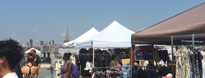 Brooklyn Flea - Williamsburg is one of HangOuts x Shops x Sport.