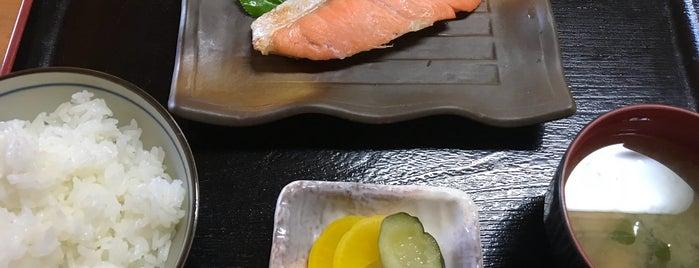 郷土家庭料理の店 繁 is one of Hachjojima.