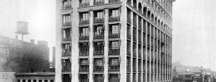 The Gwynne Building is one of Surviving Historic Buildings in Cincinnati.